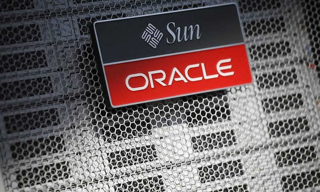 Montagem da logomarca das duas empresas. Crédito: AP