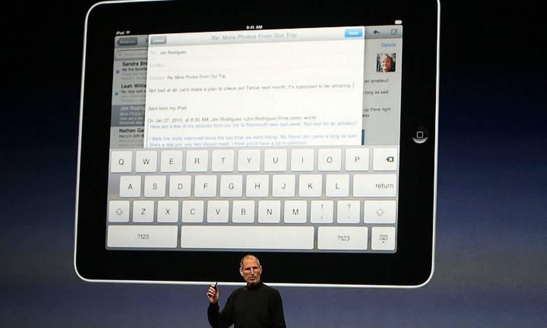 O iPad tem o teclado na própria tela. Crédito: AFP