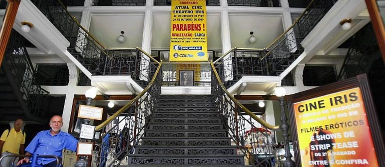 A fachada do Cine Theatro Íris, que poderá ser desapropriado Foto: Marco Antônio Teixeira - O Globo