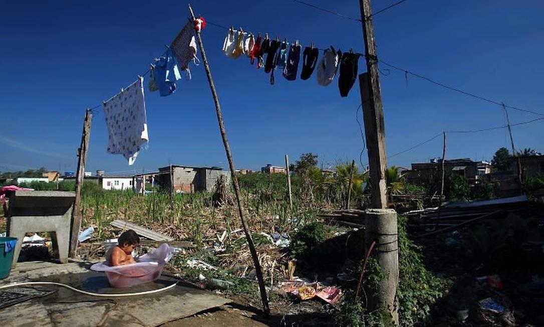 A Favela do Piraquê, em Guaratiba, a que terá a maior quantidade de casas demolidas pela prefeitura: pelo menos 1.068, segundo o censo 2000 do IBGE Foto: Gabriel de Paiva - Arquivo