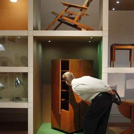 Luminárias e móveis compõem o acervo do Martin-Gropius-Bau Museum, em Berlim Foto: AP