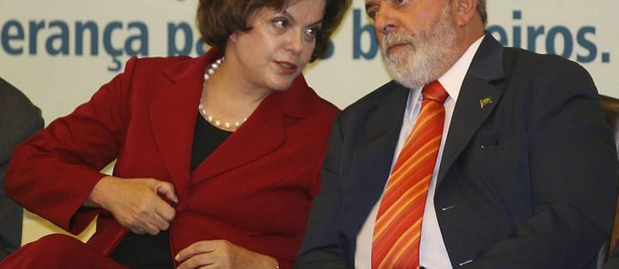 Lula e Dilma na cerimônia de lançamento do pacote Reuters