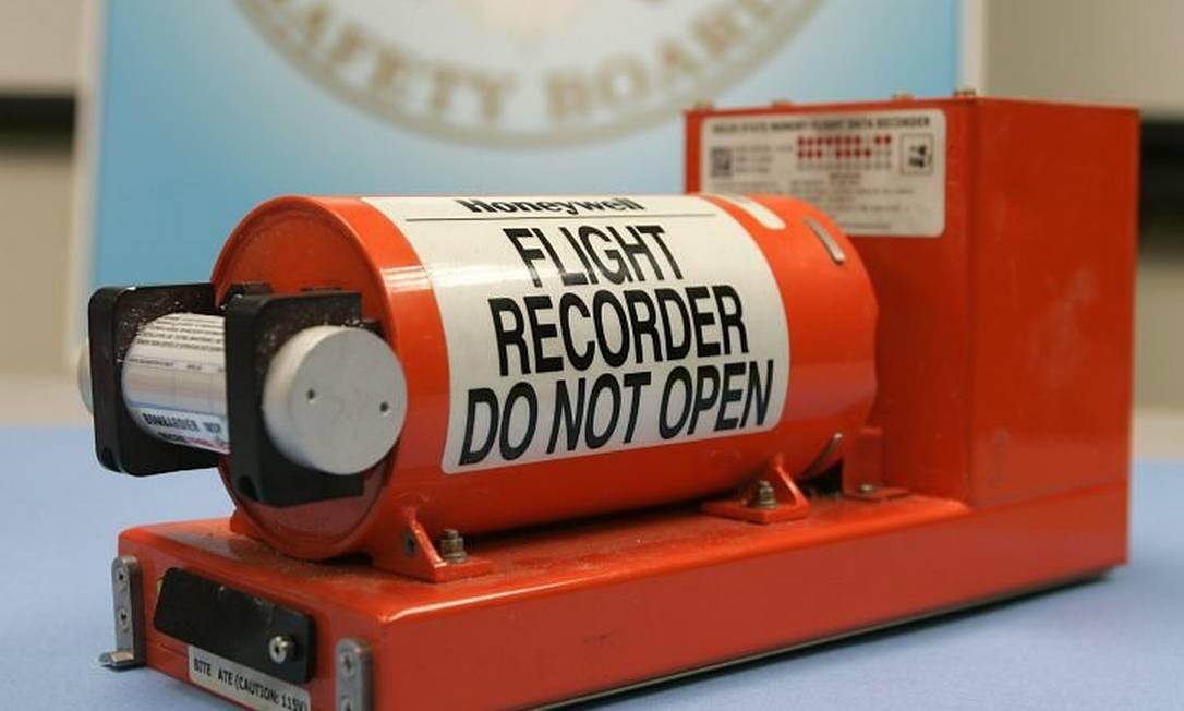 Caixa-preta do avião da Continental que caiu em Buffalo, Nova York
