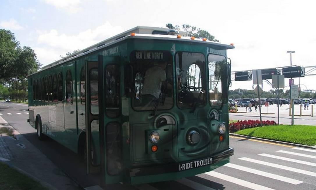 I-Ride circula entre hotéis, parques e shoppings ao lonog da International Drive Foto: Cristina Massari