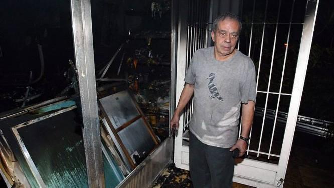 Irmão do artista mostra as obras destruídas de Hélio Oiticica Foto: Celso Meira