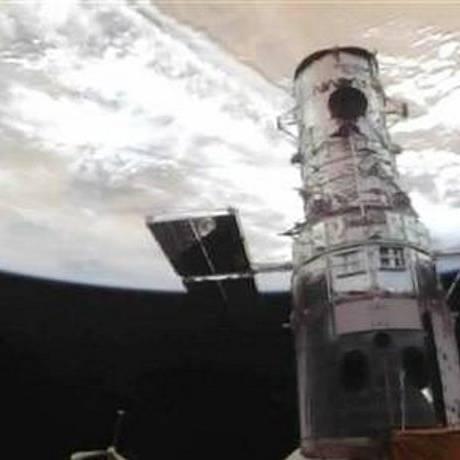 Vista do Telescópio Espacial Hubble do Ônibus espacial Atlantis, em imagem cedida pela NASA TV - AP