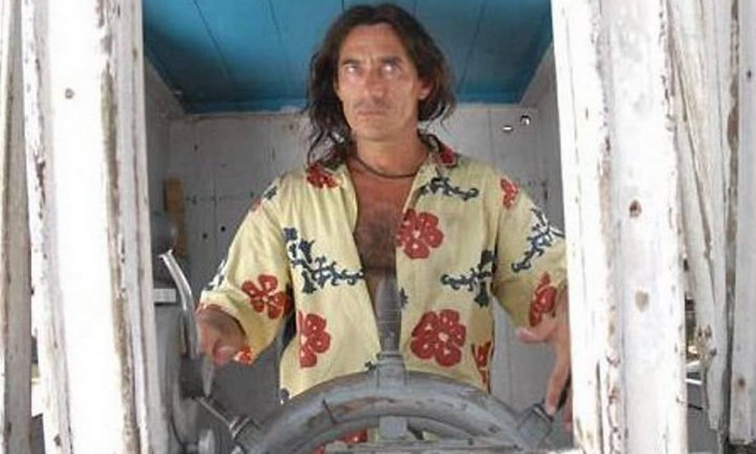 Chico Diaz em cena de ''O sol de meio-dia'', de Eliane Caffé