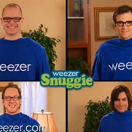 Weezer em campanha do novo álbum, 'Raditude' Reprodução