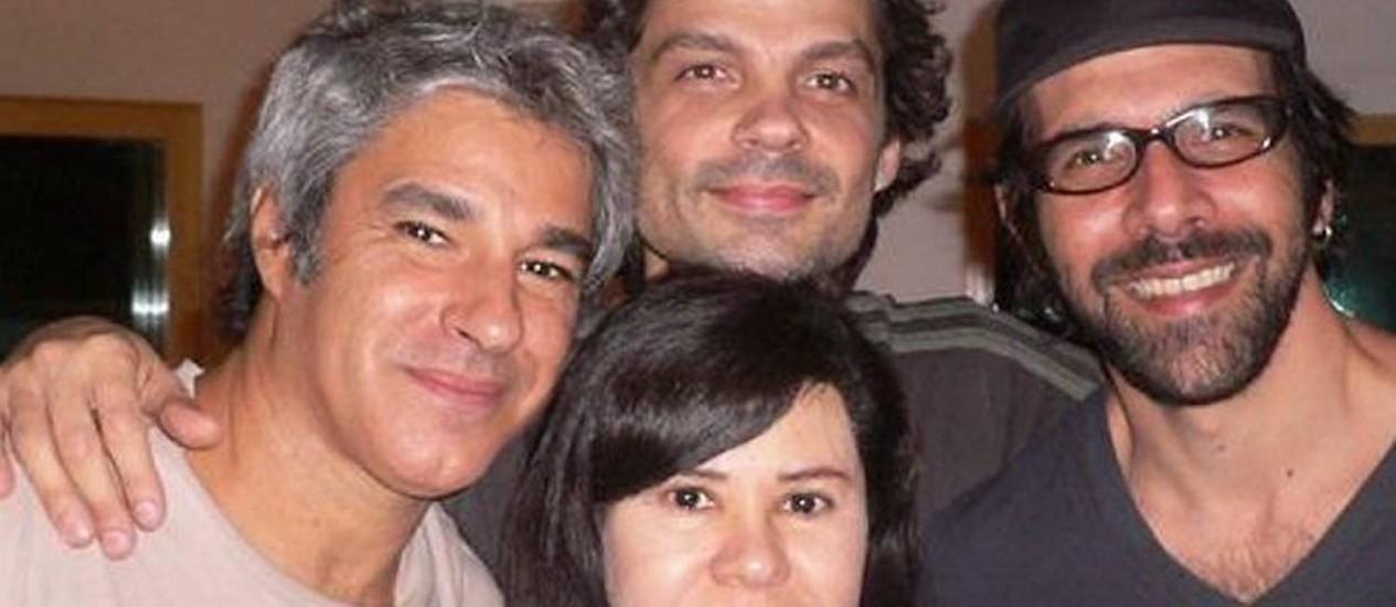 Carmen Manfredini grava com a banda Tantra Divulgação