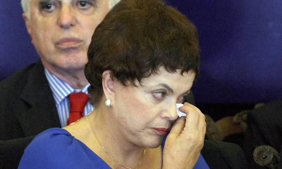 A ministra Dilma Rousseff, emocionada, durante cerimônia de lançamento do Programa Nacional de Direitos Humanos - Ailton de Freitas O Globo