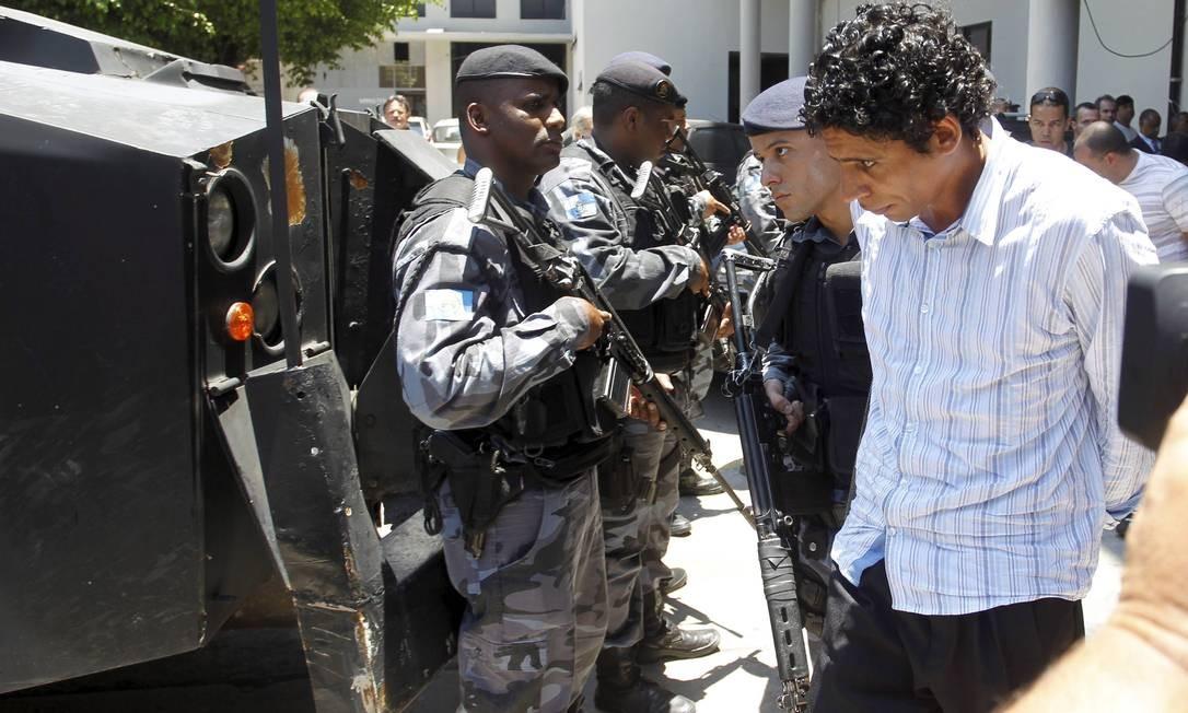 Nem deixa a sede da Polícia Federal Foto: Marcelo Carnaval - O Globo