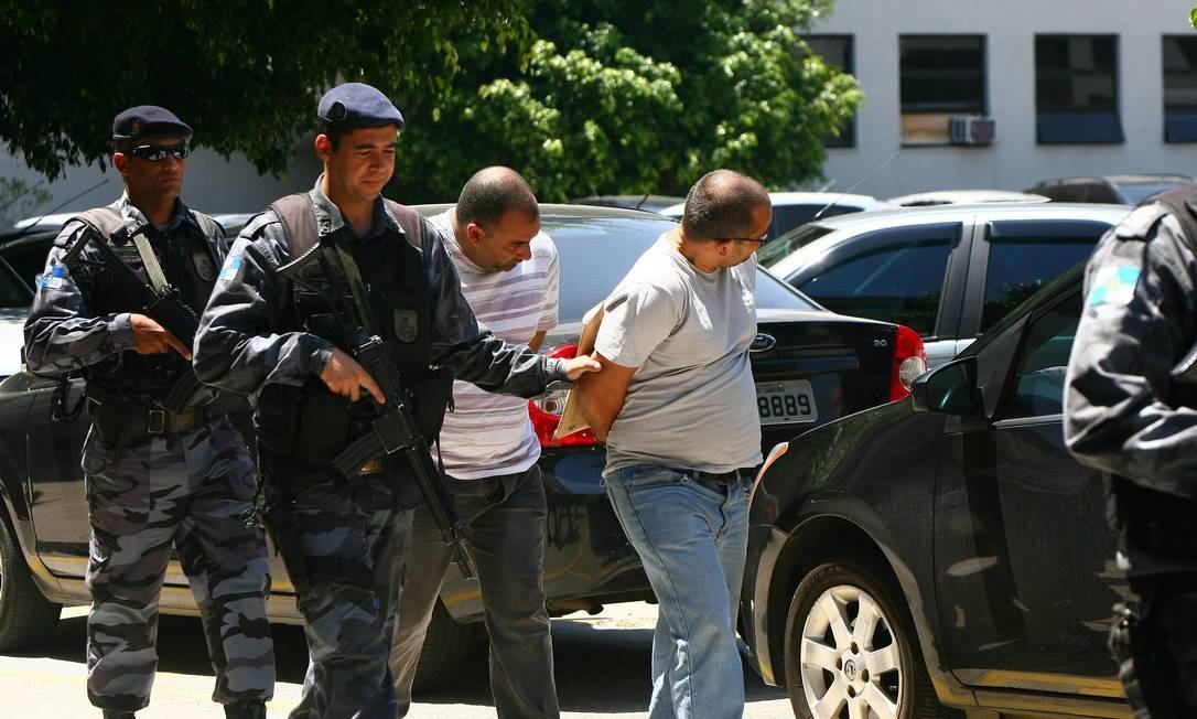 Comparsas de Nem são transferidos para Gericinó Foto: Angelo Antonio Duarte - O Globo