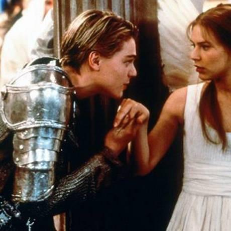 Leonardo DiCaprio e Claire Danes em cena do filme ''Romeo + Juliet''. Reprodução