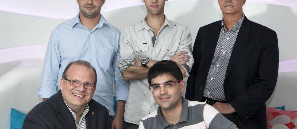 Grupo de organizadores do Rio Startup Meetup, que acontece na quarta-feira Foto: Guito Moreto / Agência O Globo