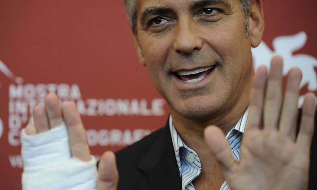 George Clooney declarou preferir procedimentos médicos invasivos a ter uma conta no Facebook. Foto Reuters