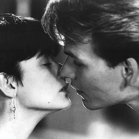 Patrick Swayze e Demi Moore em uma cena do filme 'Ghost', de 1990. Foto Divulgação