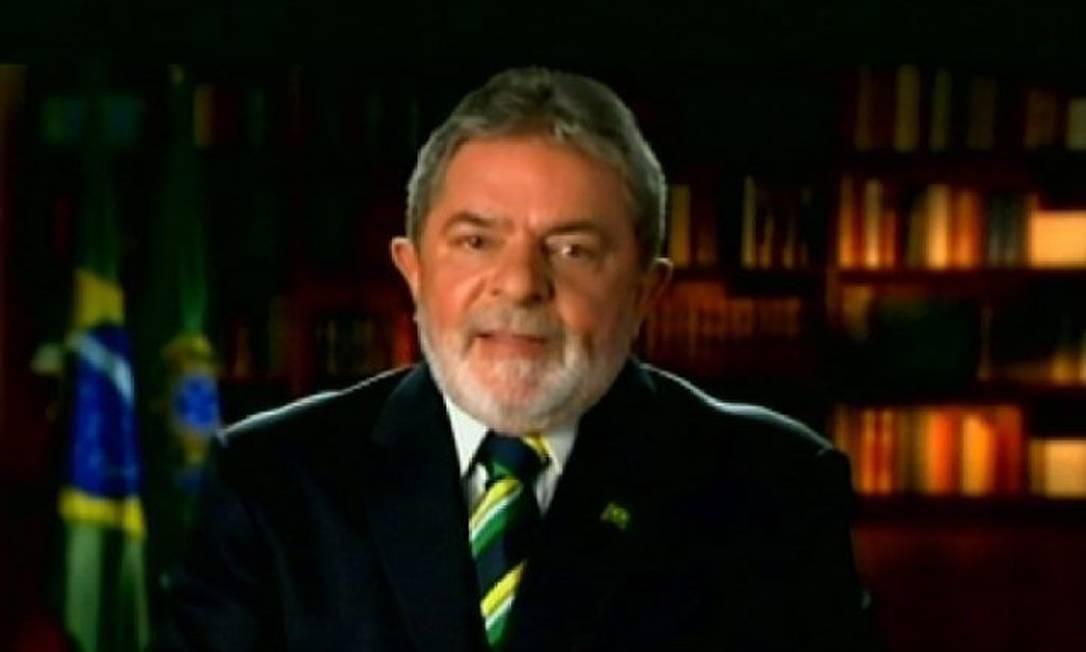 Lula pediu em pronunciamento à nação que sociedade pressione congressistas para aprovar projetos do pré-salFoto: Reprodução de TV