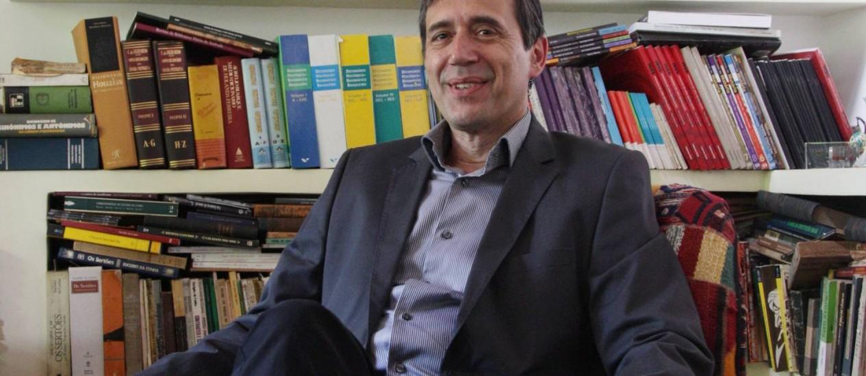 """Marco Antonio Villa está lançando o livro """"A História das Constituições do Brasil"""" Foto: Michel Filho / Agência O Globo"""