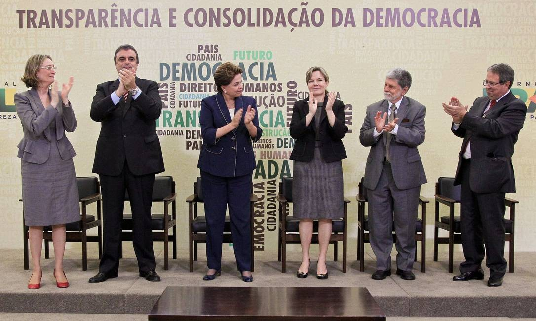 Dilma Rousseff sanciona lei que cria a Comissão da Verdade Foto: Roberto Stuckert Filho / Divulgação