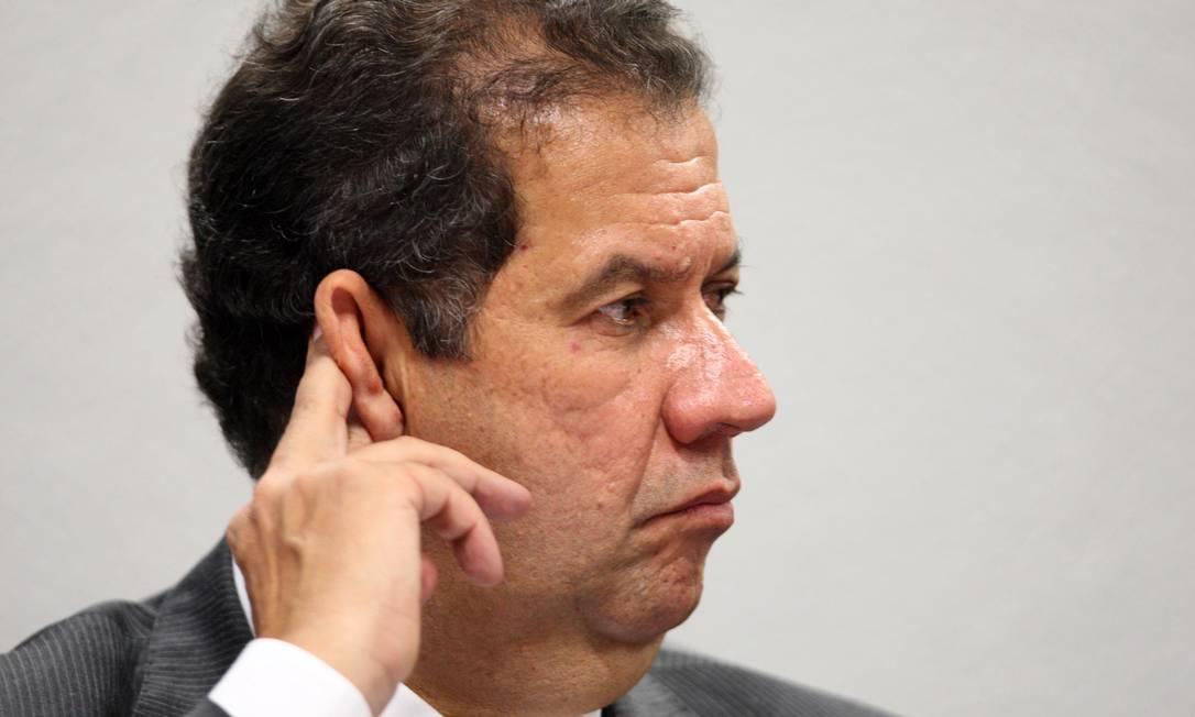 Situação de Lupi no governo ficou insustentável após Comissão de Ética recomendar a demissão dele Foto: Ailton de Freitas / Arquivo O Globo