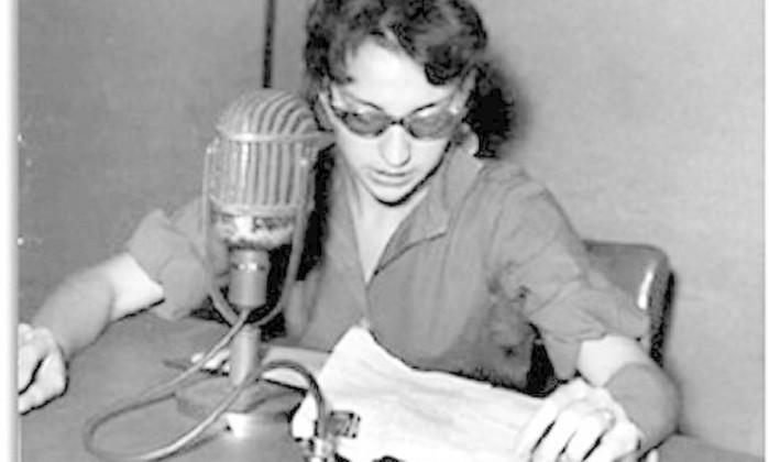 Na Rádio Metropolitana, no início da carreira, em 1959, no Progama Musical do Açúcar Pérola Arquivo pessoal