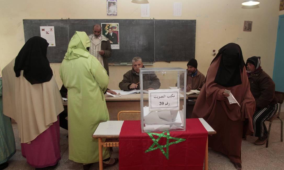 Mulheres votam em escola em Marrakesh Foto: JEAN BLONDIN / REUTERS