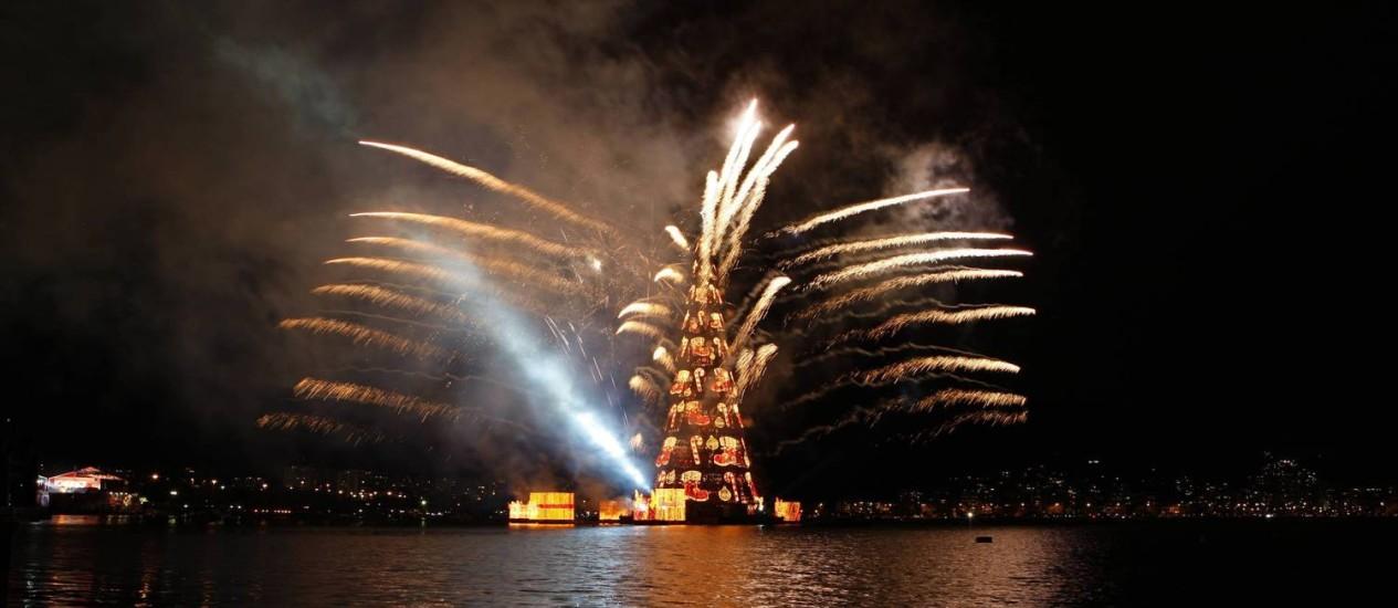 Inauguração da árvore de Natal da Lagoa, em sua 16ª edição Foto: Domingos Peixoto / O Globo