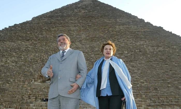 Dona Marisa Letícia e Lula durante visita às Pirâmides de Gizé na cidade do Cairo, Egito. Roberto Stuckert Filho