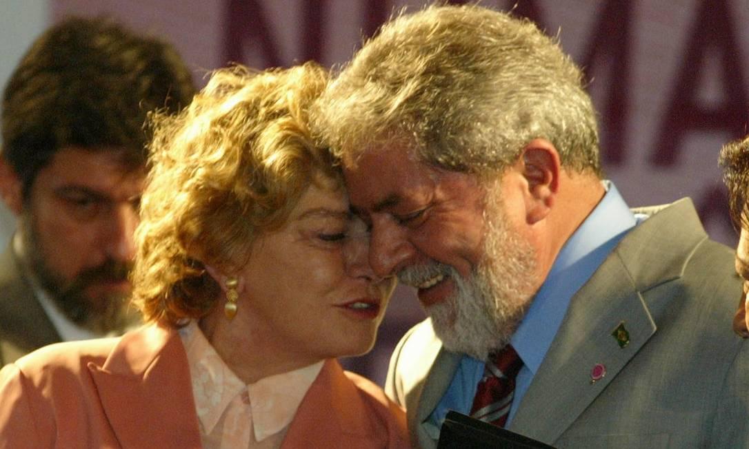 Ao lado do ex-presidente Lula, dona Marisa Letícia participa da abertura da Primeira Conferência Nacional de Politicas para as Mulheres Roberto Stuckert Filho / Divulgação