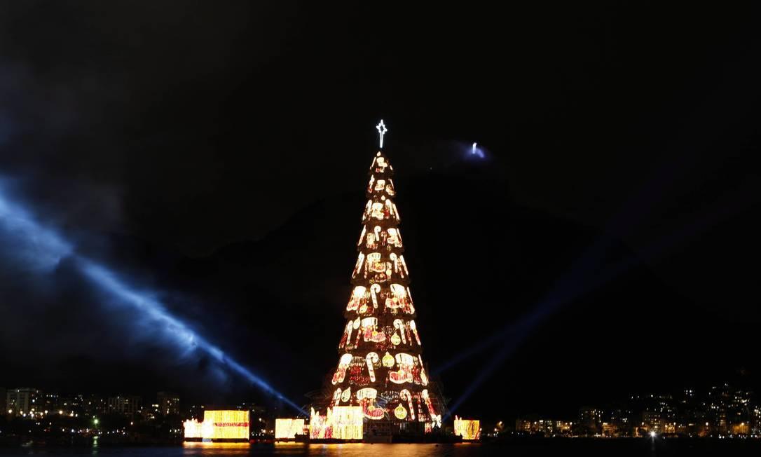 Inauguração da árvore de Natal da Lagoa, em sua 16ª edição Domingos Peixoto / O Globo