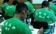 Prova do Enem 2012 na Escola Agenor de Oliveira Cartola no Presídio Esmeraldino Bandeira, em Bangu.