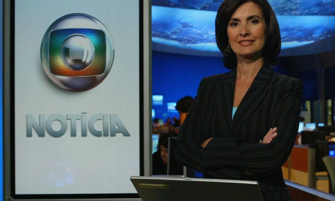 """Em 2005, Fátima também assumiu o """"Globo Notícia"""", um bloco inserido durante a programação com as principais notícias do dia. As madeixas curtinhas ficaram no passado Carlos Ivan / Agência O Globo"""