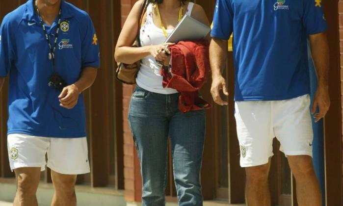 Na Granja Comary, nas eliminatórias da Copa do Mundo de 2006, ao lado de Roberto Carlos e Ronaldo: esbanjando simpatia Arquivo