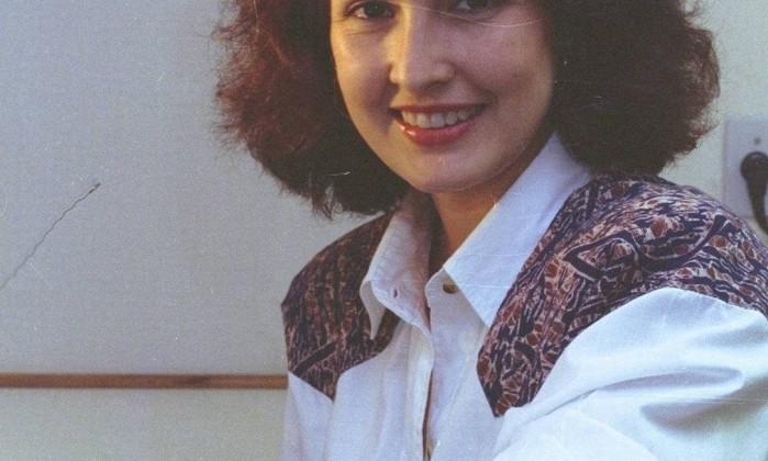 Fátima Bernardes foi contratada pela TV Globo em 1987. Ainda com seus cabelos volumosos, ela fazia reportagens locais e foi escalada para apresentar a terceira edição do RJTV Arquivo