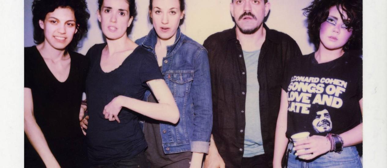 Foto da banda Cansei de Ser Sexy ainda com Adriano Cintra Foto: Divulgação
