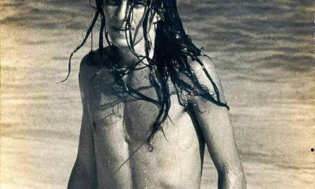 Evandro Mesquita na Praia de Ipanema no verão de 1972, quando foi efetivamente apresentado aos cariocas Divulgação / Site Píer de Ipanema