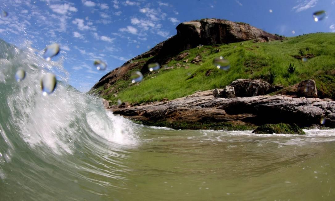 A Praia do Perigoso, com a Pedra da Tartaruga ao fundo: a mais procurada pelos visitantes Foto: Marcelo Piu / pO Globo