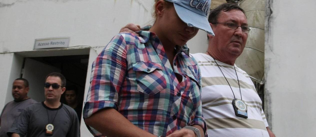A prisão de Danúbia Rangel, acusada de associação parao tráfico Foto: Marco Antônio Cavalcanti / O Globo