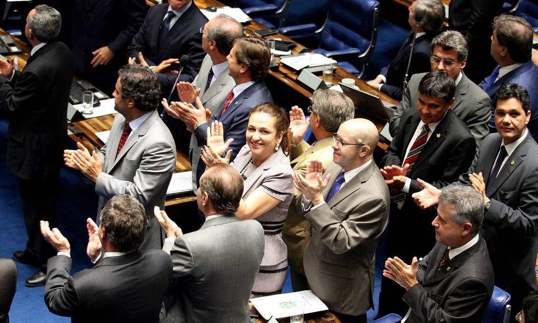 Sessão no Plenário do Senado durante votação do texto básico do novo Código Florestal Brasileiro Foto: Aílton de Freitas / O Globo