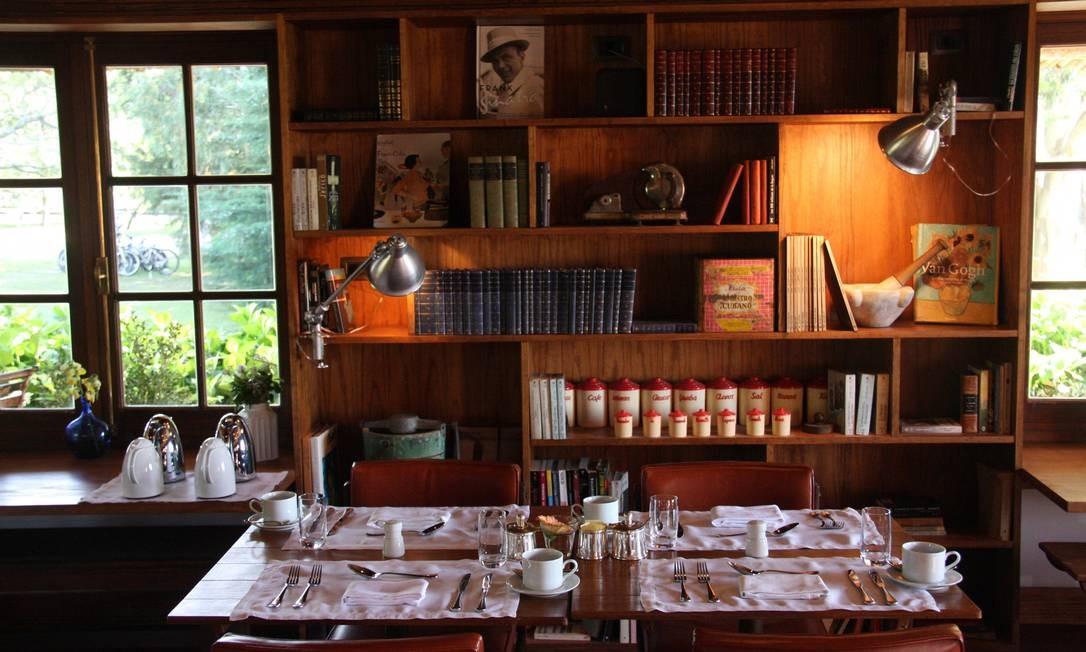 Fasano Las Piedras: hotel do grupo Fasano, aberto há um ano, tem livros e móveis garimpados em antiquários e sebos. Foto: Bruno Agostini / O Globo