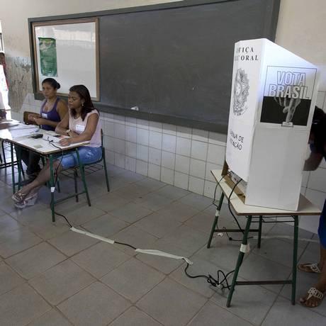 Eleitores participam do plebiscito histórico, em que estava em jogo a divisão do estado do Pará em três. Foto: Reuters
