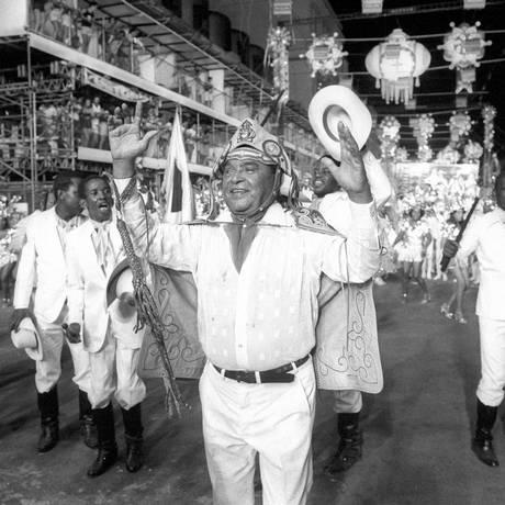 Luiz Gonzaga durante o desfile da escola de samba Unidos de Lucas Foto: Otavio Magalhães