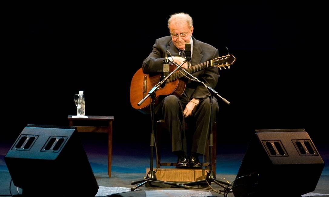 João Gilberto em show no Teatro Municipal, em 2008 Foto: Ari Versiani / AFP