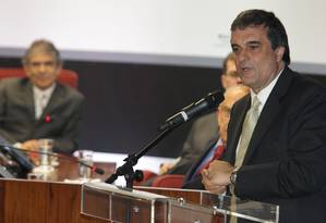 O ministro da Justiça, José Eduardo Cardozo discursa durante a premiação do VIIIº Prêmio Innovare, no Supremo Tribunal Federal, em Brasília Foto: Andre Coelho / O Globo