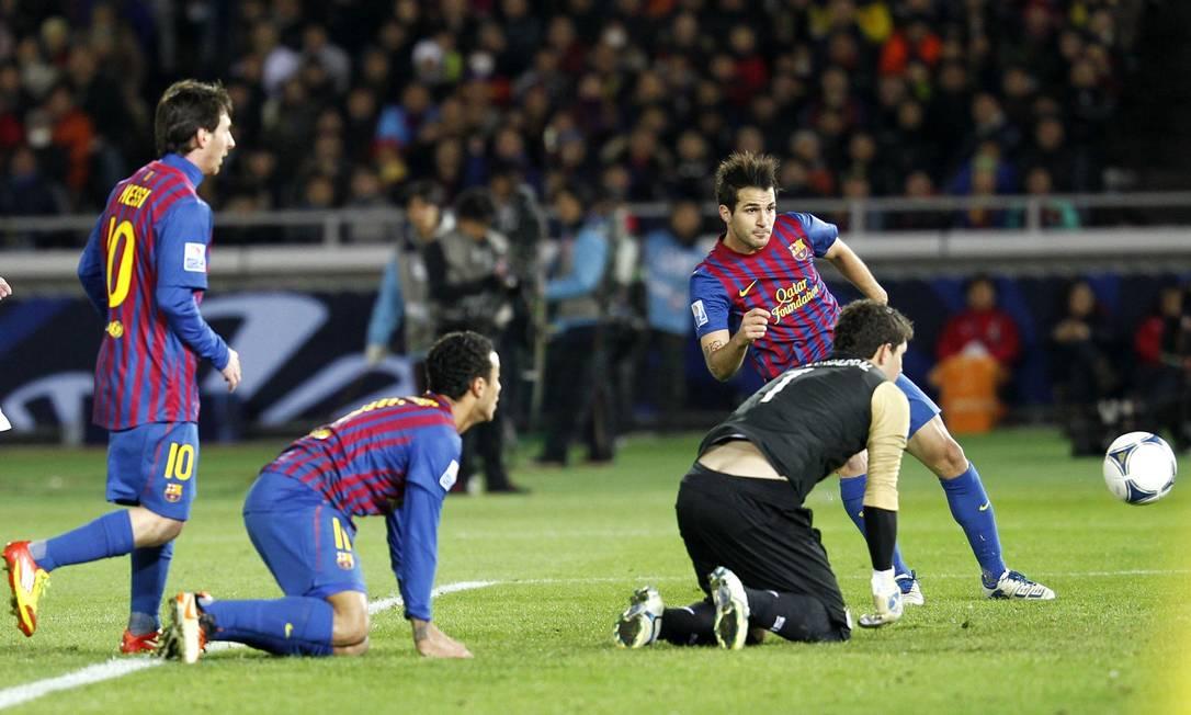 Xavi chuta para marcar KIM KYUNG-HOON / REUTERS