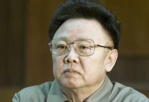 Em 2001, Kim Jong-iI em reunião em Pyongyang Foto: JONAS EKSTROMER / AFP