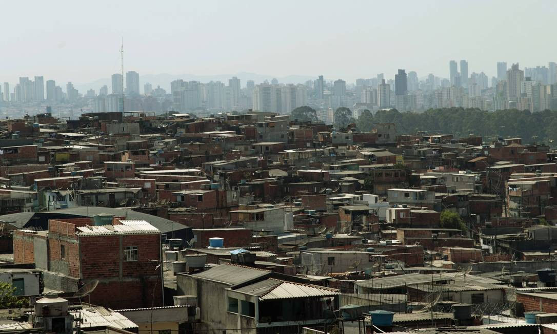 Favela de Heliópolis, em São Paulo Foto: Marcos Alves / O Globo