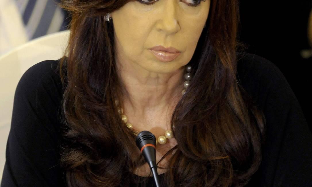 A presidente argentina, Cristina Kirchner, em reunião do Mercosul, terça-feira, em Montevidéu Foto: Matilde Campodonico / AP