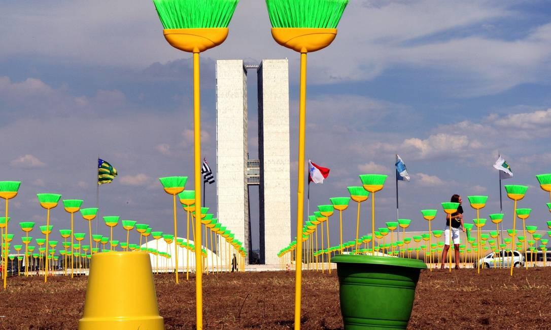 Manifestação anticorrupção em Brasília Foto: Givaldo Barbosa / O Globo