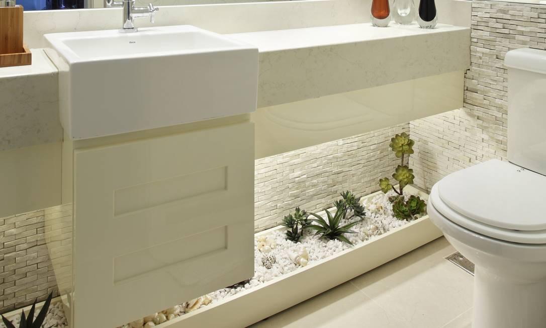 Imagens Lavando Banheiro : Banheiros com jardins jornal o globo